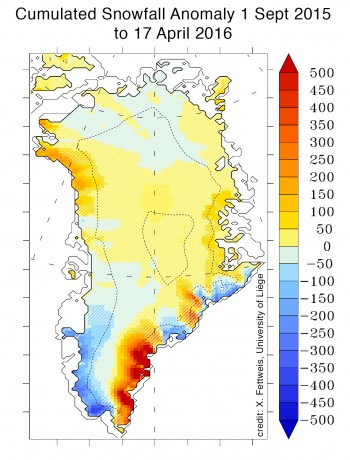 Figure 4: This map of Greenland shows the total precipitation (in mm of water equivalent) from September 1, 2015 to April 16, 2016. The hatched area indicates regions with near-average snowfall levels. Anomalies are compared to the 1981 to 2010 average. ||Credit, MAR3.5.2 and X. Fettweis. |High-resolution image