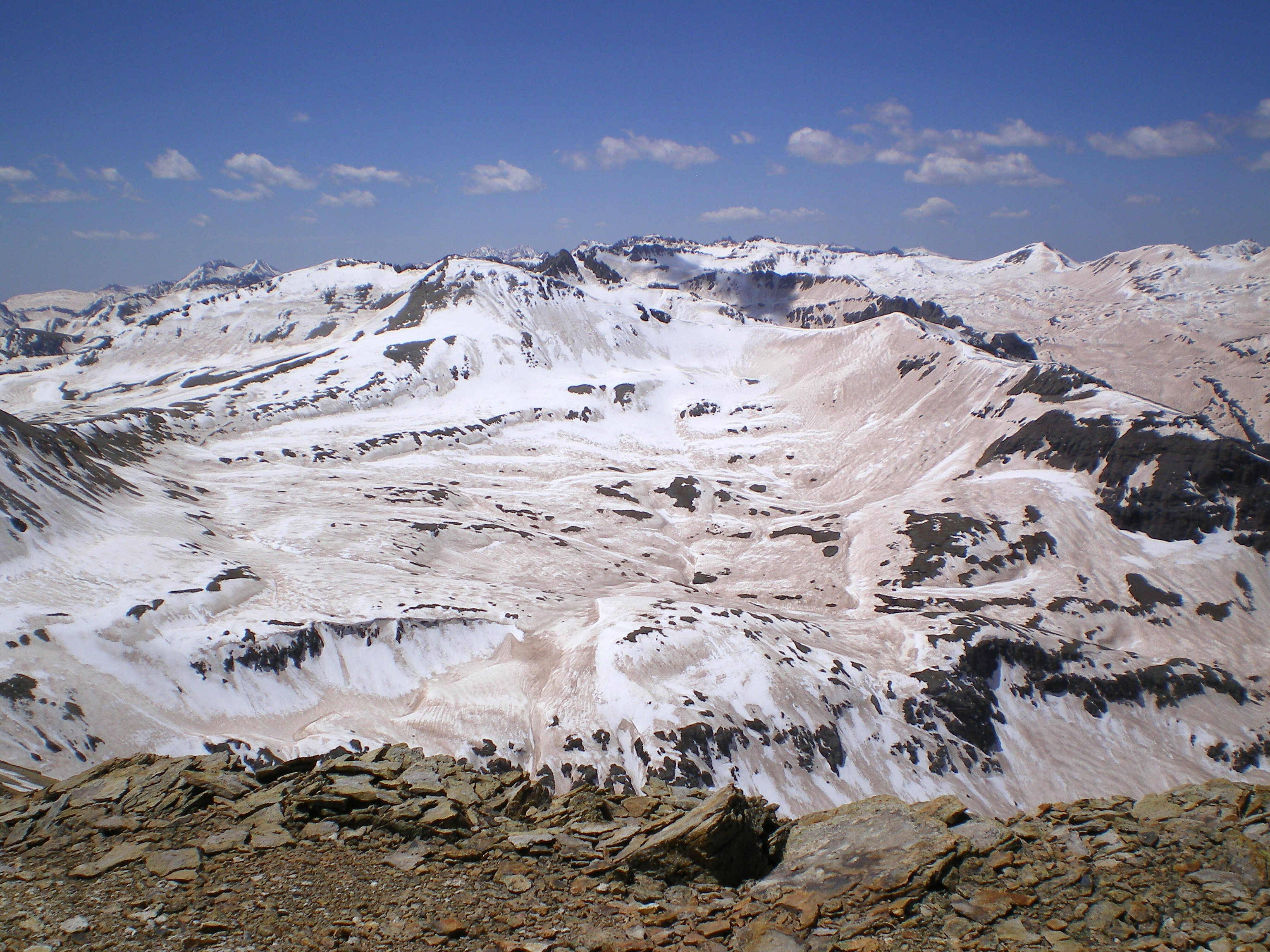 Dust particles on snowpack