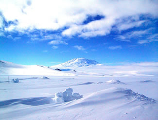ice sheet edge in antarctica