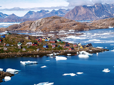 the town of Kulusuk in greenland