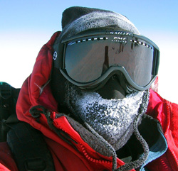 Modern snow goggles
