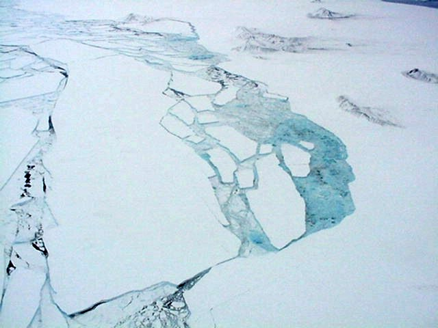 Larsen B Ice Shelf Collapses in Antarctica | National Snow ...