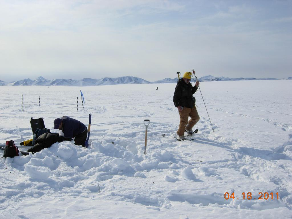 "Mark Serreze measures snow depth during the 2011 Arctic Observing Network (Snownet) project (<a href=""/cryosphere/gallery/photo/33979"">View photo detail.</a>) <br>"