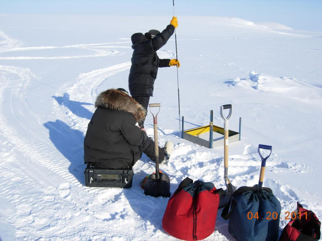 "Researchers set up research equipment during the 2011 Arctic Observing Network (Snownet) project in Alaska. (<a href=""/cryosphere/gallery/photo/33986"">View photo detail.</a>) <br>"