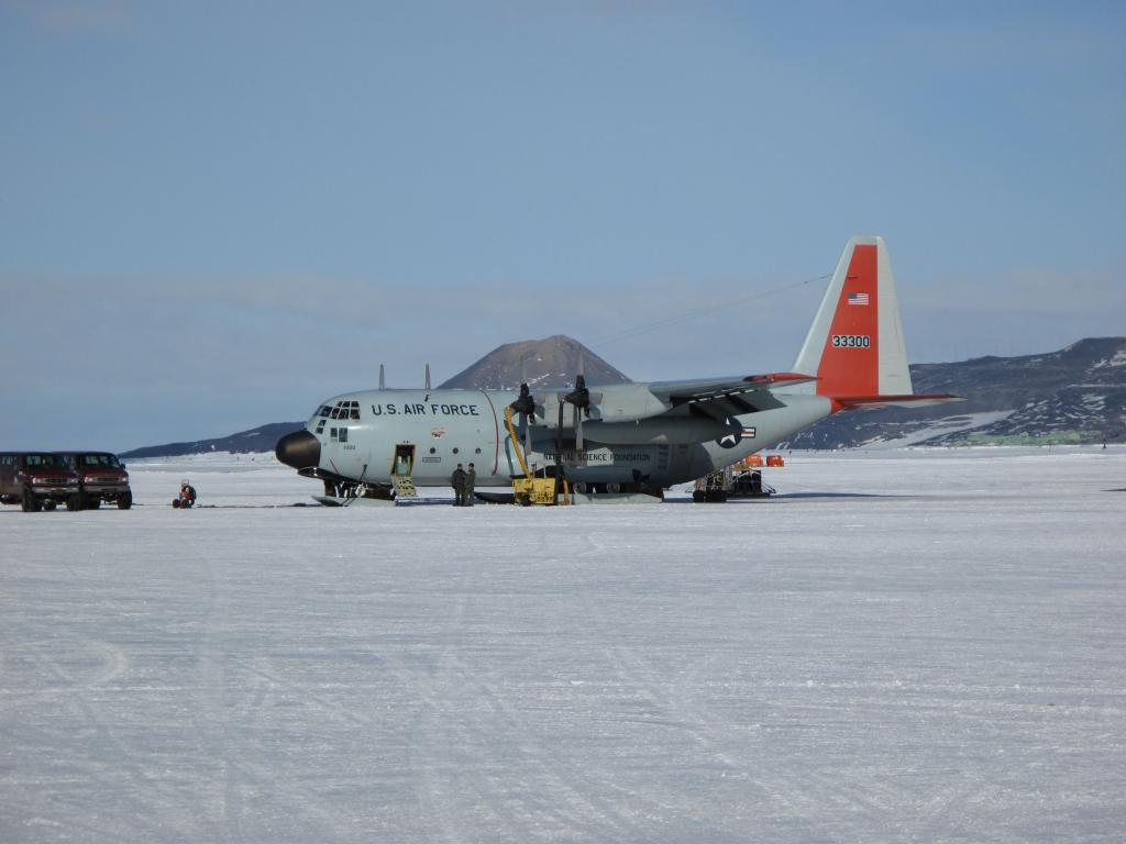 "This LC-139 Hercules took the 2008-2009 U.S.-Norway Traverse team from McMurdo Station to the South Pole. Image Credit:  Ted Scambos, NSIDC (<a href=""/cryosphere/gallery/photo/33756"">View photo detail.</a>) <br>"