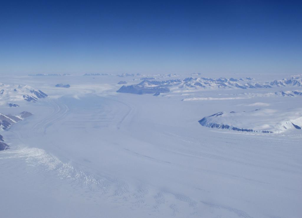 "This Antarctic ice stream carries ice off the ice sheet towards the ocean. Image Credit:  Ted Scambos, NSIDC (<a href=""/cryosphere/gallery/photo/33762"">View photo detail.</a>) <br>"