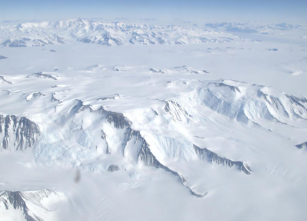 "Antarctica is covered with ice--much of it in the form of glaciers and ice streams. Image Credit:  Ted Scambos, NSIDC (<a href=""/cryosphere/gallery/photo/33764"">View photo detail.</a>) <br>"