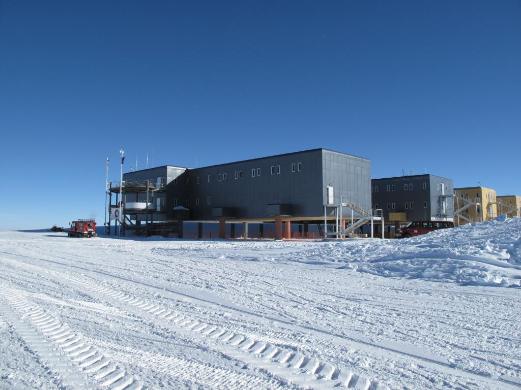 "The newly-built South Pole Station, replaced the old station, a large dome. Image Credit:  Ted Scambos, NSIDC (<a href=""/cryosphere/gallery/photo/33766"">View photo detail.</a>) <br>"