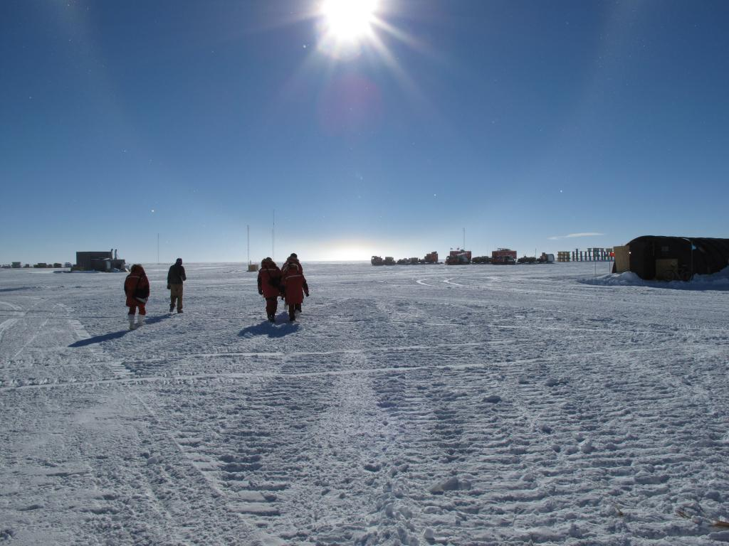 "The sun shines 24 hours a day during summer at the South Pole. Image Credit:  Ted Scambos, NSIDC (<a href=""/cryosphere/gallery/photo/33765"">View photo detail.</a>) <br>"