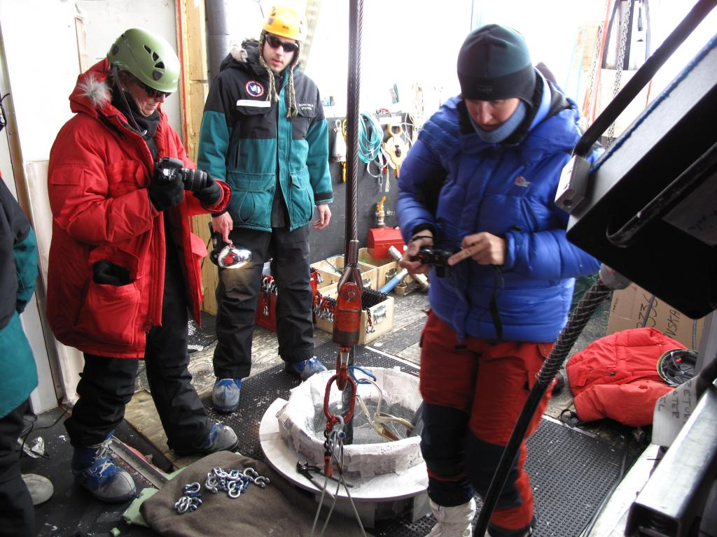 "Another research team drills a hole in the ice at the South Pole.  Image Credit:  Ted Scambos, NSIDC (<a href=""/cryosphere/gallery/photo/33777"">View photo detail.</a>) <br>"