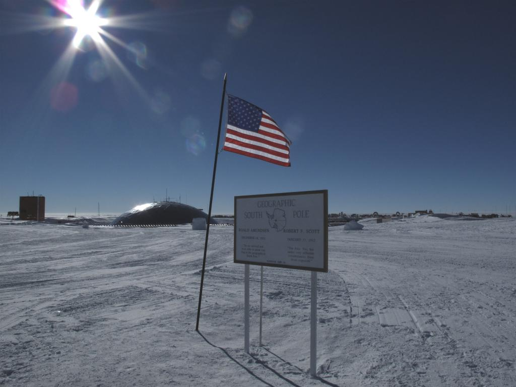 "The geographic South Pole is located a few hundred yards away from the ceremonial South Pole, which is closer to the station. Image Credit: Ted Scambos, NSIDC (<a href=""/cryosphere/gallery/photo/33783"">View photo detail.</a>) <br>"
