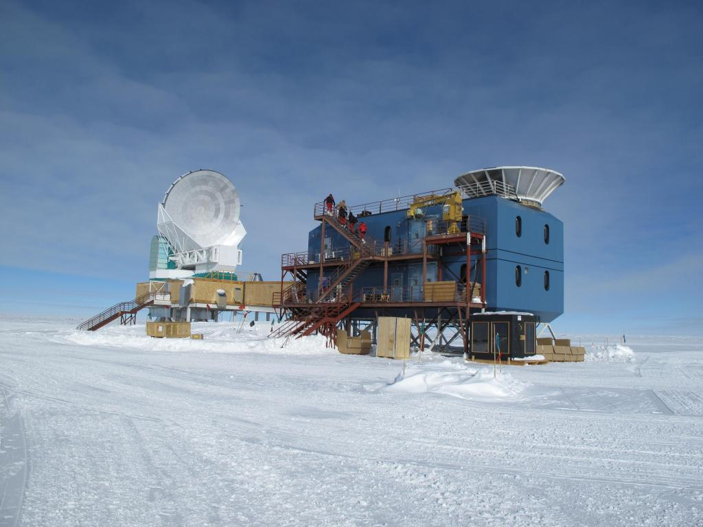 "South Pole station sits on stilts to keep it from getting buried in drifting snow. Image Credit: Ted Scambos, NSIDC (<a href=""/cryosphere/gallery/photo/33797"">View photo detail.</a>) <br>"