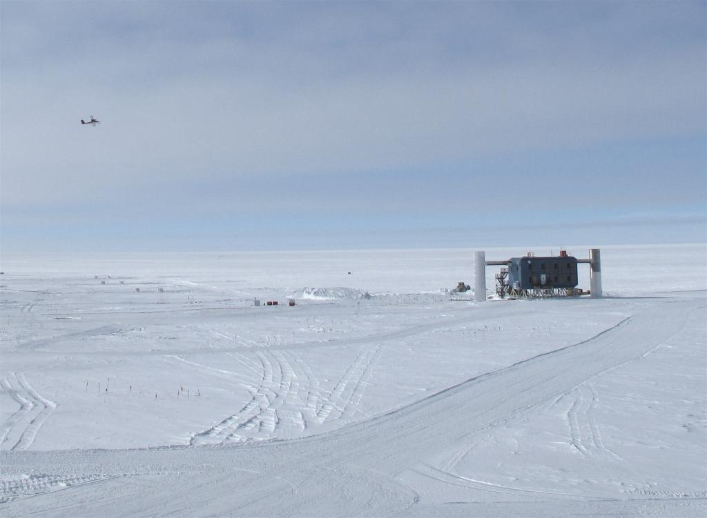 "South Pole station looks tiny when viewed from a distance. Image Credit: Ted Scambos, NSIDC (<a href=""/cryosphere/gallery/photo/33795"">View photo detail.</a>) <br>"