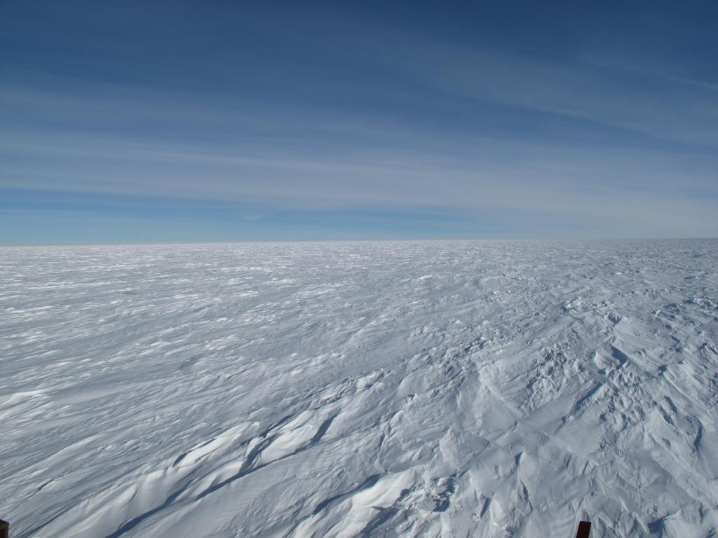 "The Antarctic Ice Sheet is the largest mass of ice on Earth. Image Credit: Ted Scambos, NSIDC (<a href=""/cryosphere/gallery/photo/33800"">View photo detail.</a>) <br>"