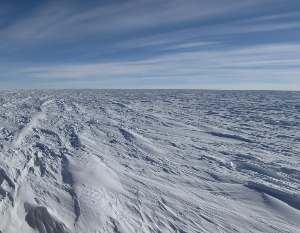 "The Antarctic Ice Sheet is the largest mass of ice on Earth. Image Credit: Ted Scambos, NSIDC (<a href=""/cryosphere/gallery/photo/33804"">View photo detail.</a>) <br>"