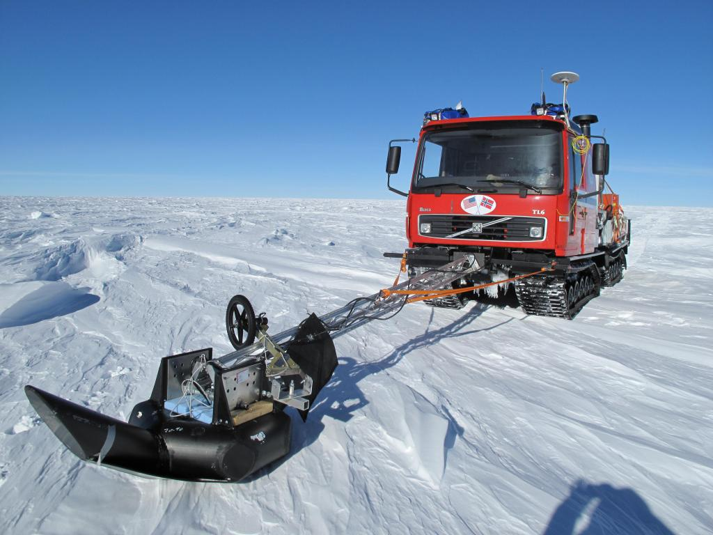 "This traverse vehicle has a radar for sensing crevasses. Image Credit:  Ted Scambos, NSIDC (<a href=""/cryosphere/gallery/photo/33818"">View photo detail.</a>) <br>"