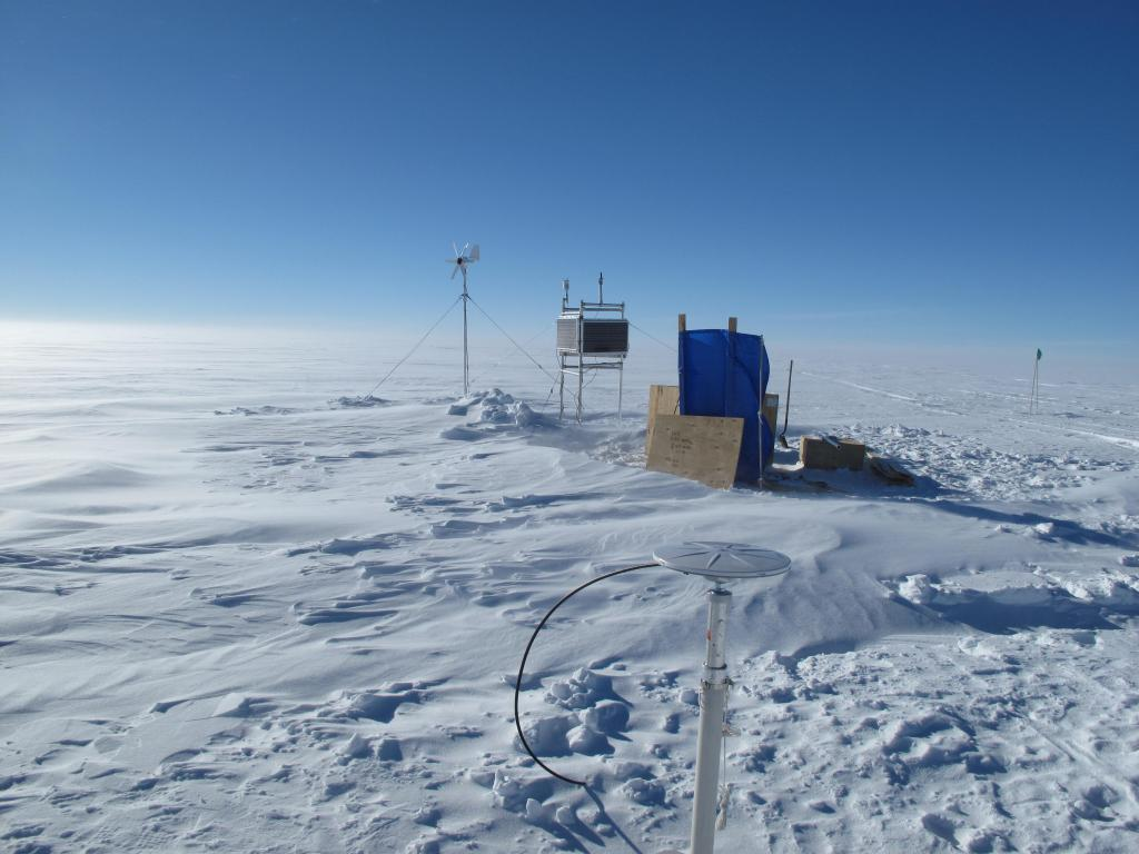 "Scientists set up these measurement devices during the Norwegian-U.S. Scientific Traverse of East Antarctica. Image Credit:  Ted Scambos, NSIDC (<a href=""/cryosphere/gallery/photo/33844"">View photo detail.</a>) <br>"