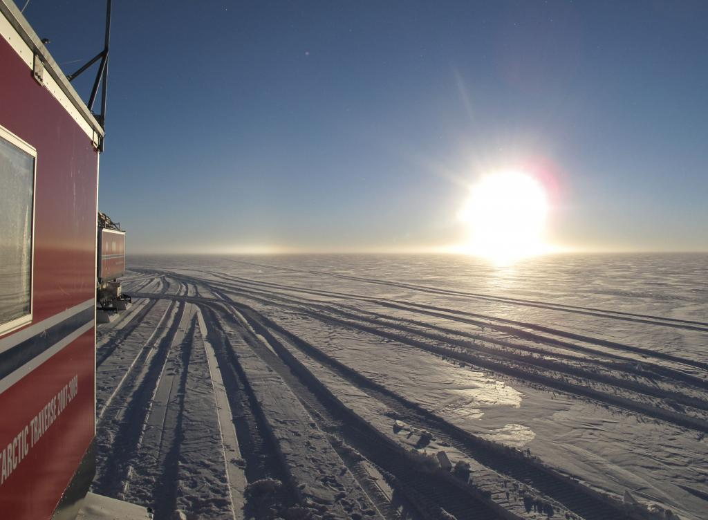 "This was the first sunset that the traverse team saw over the East Antarctic Ice Sheet. Image Credit:  Ted Scambos, NSIDC (<a href=""/cryosphere/gallery/photo/33847"">View photo detail.</a>) <br>"