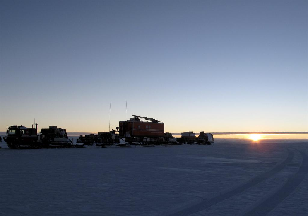 "After weeks of 24-hour sunshine, the team sees their first sunset in Antarctica. Image Credit:  Ted Scambos, NSIDC (<a href=""/cryosphere/gallery/photo/33849"">View photo detail.</a>) <br>"