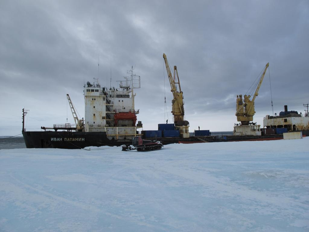 "The traverse team meets a Russian ship to load their equipment for transport back to the mainland. Image Credit:  Ted Scambos, NSIDC (<a href=""/cryosphere/gallery/photo/33887"">View photo detail.</a>) <br>"