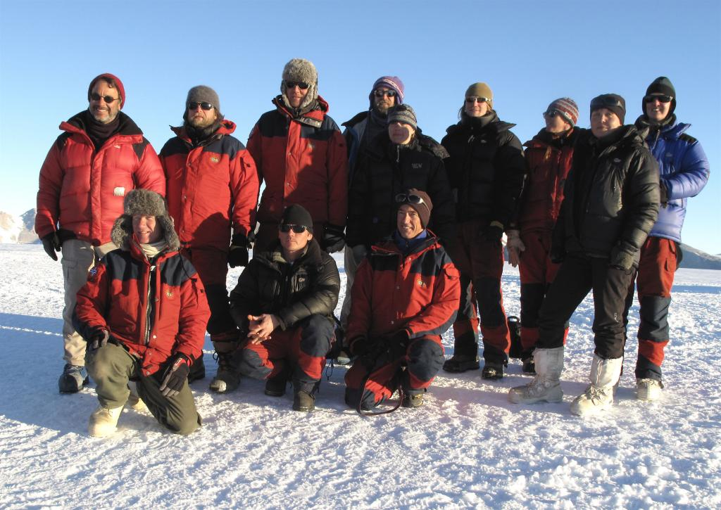 "The Norwegian-U.S. Traverse team, 2008-2009 (<a href=""/cryosphere/gallery/photo/33904"">View photo detail.</a>) <br>"
