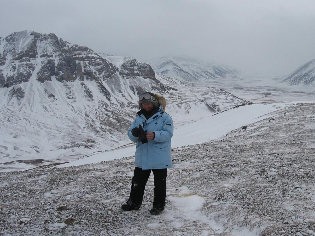 "Drew Slater hikes during the 2009 snownet project. Image courtesy Andrew Slater, NSIDC. (<a href=""/cryosphere/gallery/photo/33705"">View photo detail.</a>) <br>"