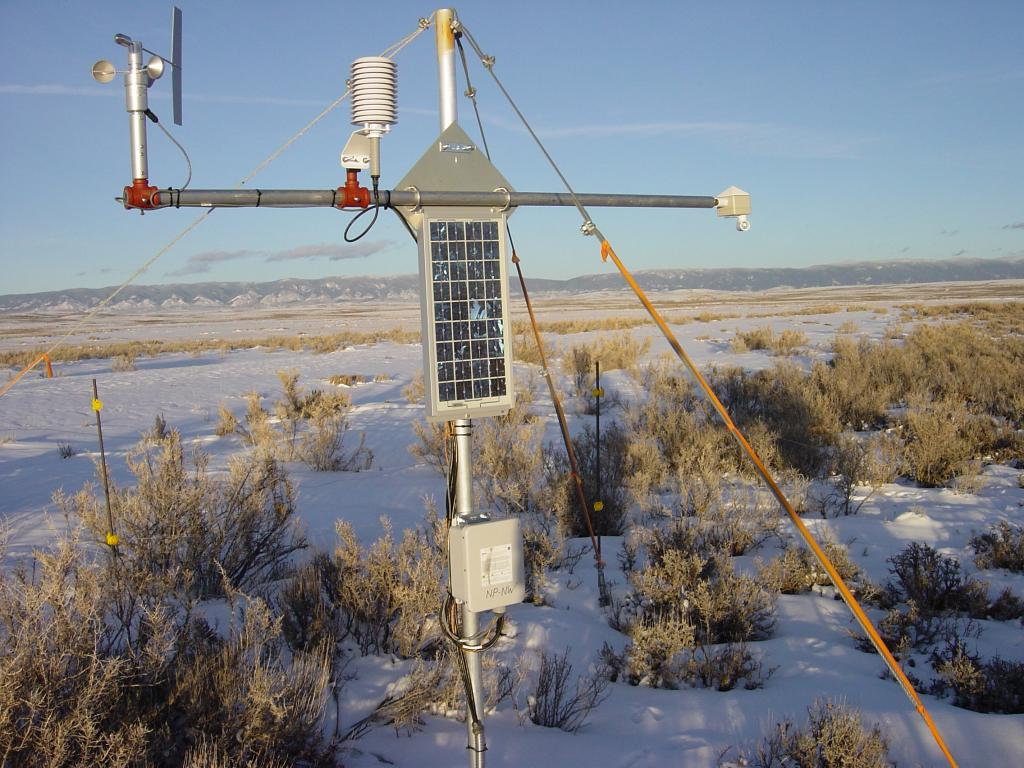 "Research tower used in the 2002 Cold Land Process Field Experiment. <a href=""http://nsidc.org/data/clpx/"">CLPX Web site</a> (<a href=""/cryosphere/gallery/photo/33596"">View photo detail.</a>) <br>"