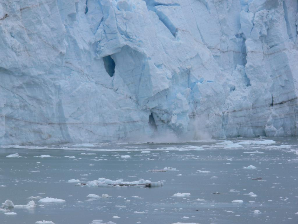 "Margerie Glacier, in Glacier Bay. Calving photo #2. Glacier Bay National Park, AK. From ship. Image Credit:  Courtesy Lynn French, NSIDC (<a href=""/cryosphere/gallery/photo/33408"">View photo detail.</a>) <br>"