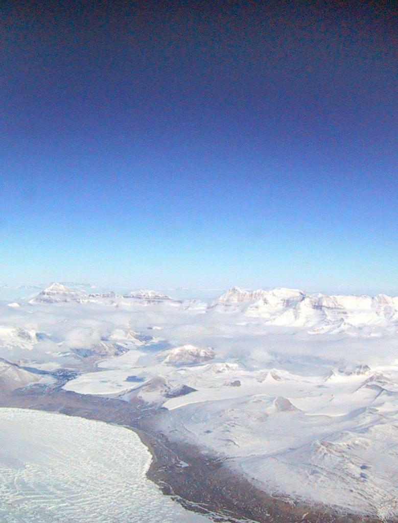 "The Megadunes team flew over the Scott Coast in Antarctica on the way to their field camp. Image Credit:  Courtesy Ted Scambos and Rob Bauer, NSIDC  <a href=""http://nsidc.org/antarctica/megadunes/"">Megadunes Web site</a> (<a href=""/cryosphere/gallery/photo/33051"">View photo detail.</a>) <br>"