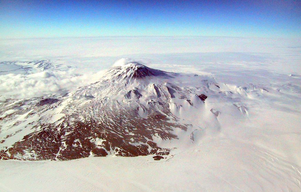 "The Megadunes team flew over the Scott Coast in Antarctica on the way to their field camp. Image Credit:  Courtesy Ted Scambos and Rob Bauer, NSIDC  <a href=""http://nsidc.org/antarctica/megadunes/"">Megadunes Web site</a> (<a href=""/cryosphere/gallery/photo/33053"">View photo detail.</a>) <br>"