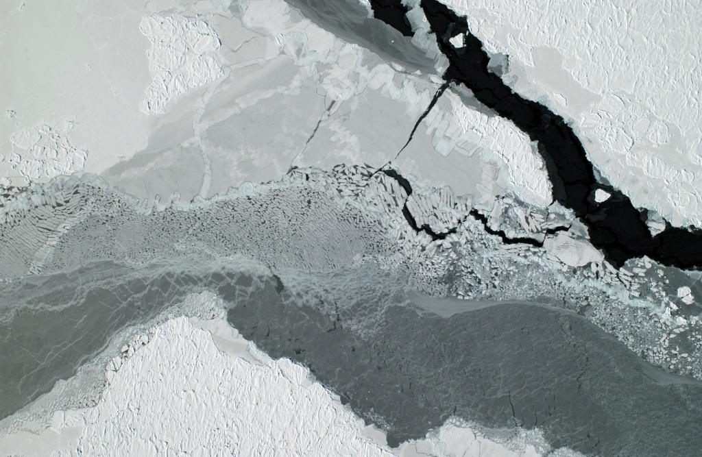 "An above view of nila sea ice from the flight on the 3rd day of October. Photo Credit: Courtesy Ted Scambos, NSIDC (<a href=""/cryosphere/gallery/photo/33237"">View photo detail.</a>) <br>"