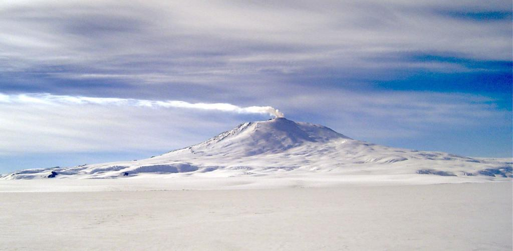 "A better and more close-up view of Mt. Erebus. Image Credit:  Courtesy Ted Scambos and Rob Bauer, NSIDC  <a href=""http://nsidc.org/antarctica/megadunes/"">Megadunes Web site</a> (<a href=""/cryosphere/gallery/photo/33048"">View photo detail.</a>) <br>"