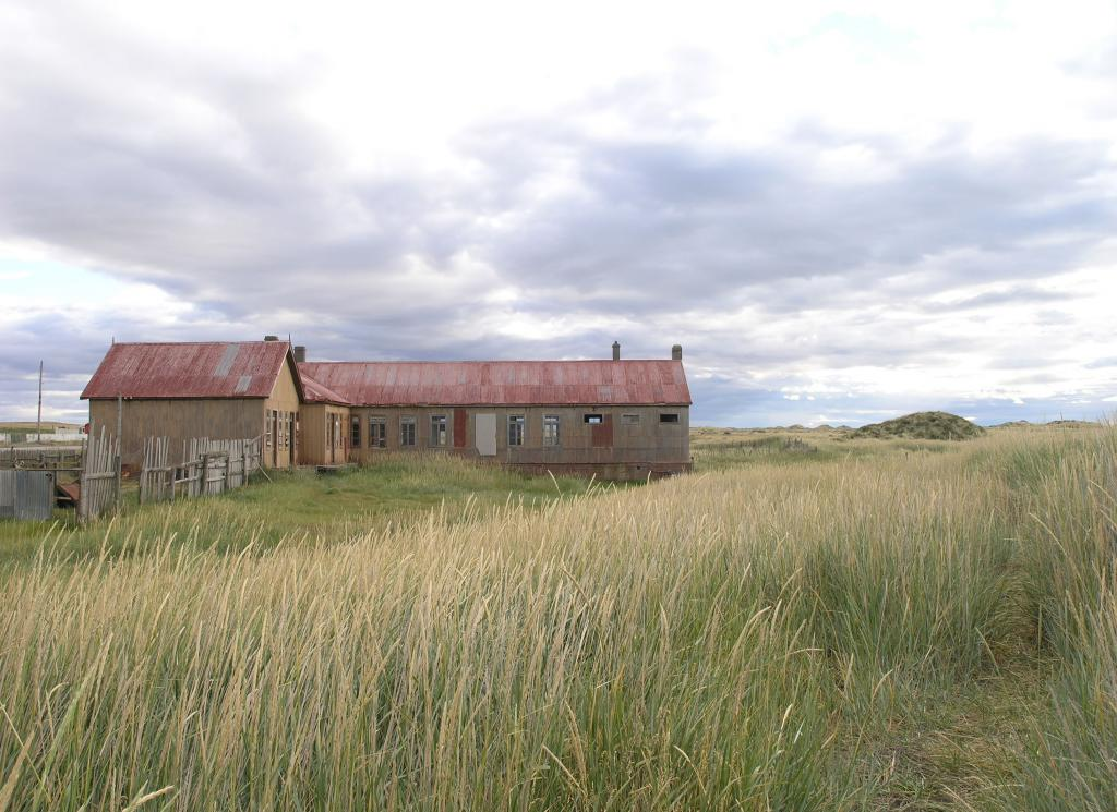 "This Chilean house is located between Puenta Arenas and Rio Gallegos. Photo Credit: Courtesy Ted Scambos and Rob Bauer, NSIDC  <a href=""http://nsidc.org/icetrek"">IceTrek Web site</a> (<a href=""/cryosphere/gallery/photo/33327"">View photo detail.</a>) <br>"