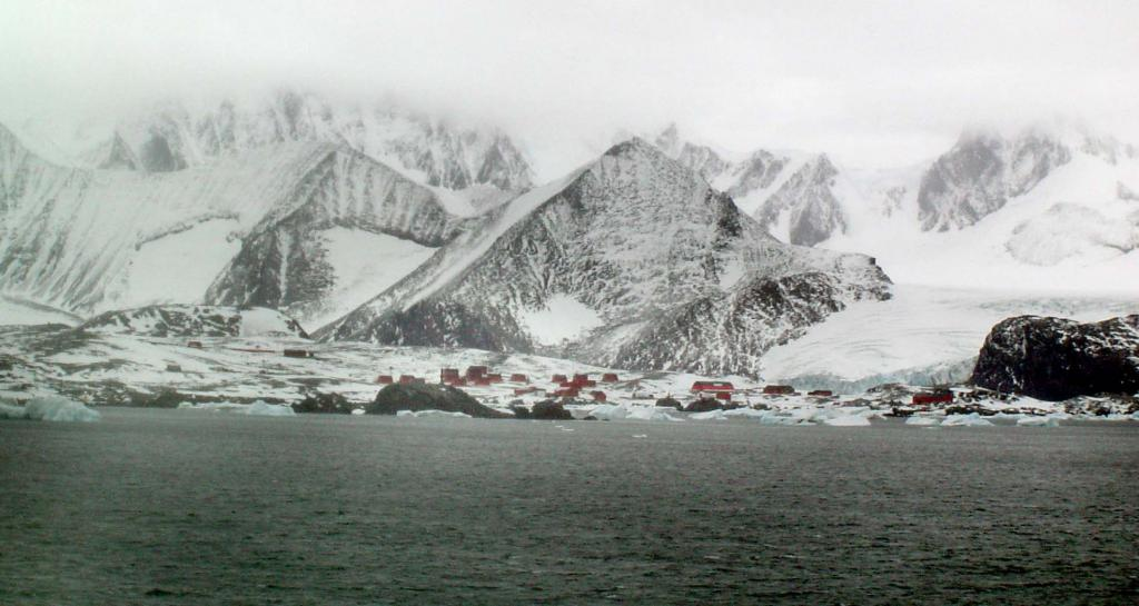 "Esperanza Base in Antarctica is surrounded by mountains. Photo Credit: Courtesy Ted Scambos and Rob Bauer, NSIDC  <a href=""http://nsidc.org/icetrek"">IceTrek Web site</a> (<a href=""/cryosphere/gallery/photo/33328"">View photo detail.</a>) <br>"