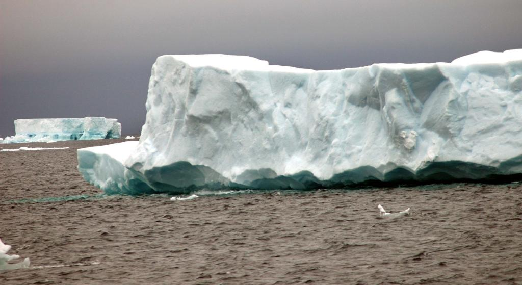 "Icebergs melt during the southern hemisphere summer. Photo Credit: Courtesy Ted Scambos and Rob Bauer, NSIDC  <a href=""http://nsidc.org/icetrek"">IceTrek Web site</a> (<a href=""/cryosphere/gallery/photo/32920"">View photo detail.</a>) <br>"