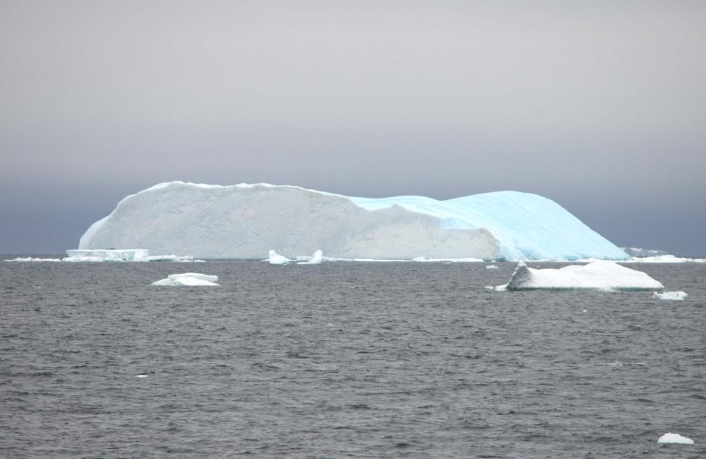 "Icebergs melt during the southern hemisphere summer. Photo Credit: Courtesy Ted Scambos and Rob Bauer, NSIDC <a href=""http://nsidc.org/icetrek"">IceTrek Web site</a> (<a href=""/cryosphere/gallery/photo/32919"">View photo detail.</a>) <br>"