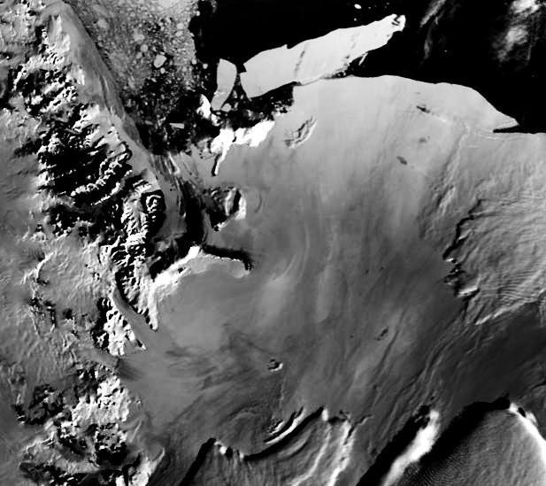 "AVHRR image of West Ross Ice Shelf, Antarctica on 27 January 2001. (<a href=""/cryosphere/gallery/photo/33602"">View photo detail.</a>) <br>"