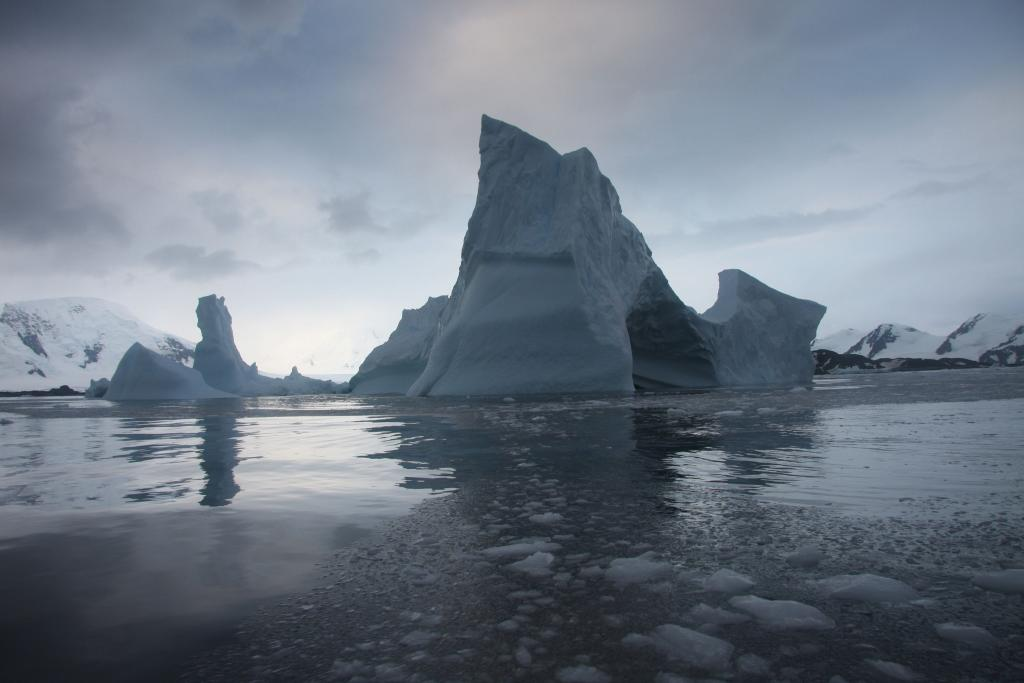 "An iceberg floats near Antarctica (<a href=""/cryosphere/gallery/photo/33933"">View photo detail.</a>) <br>"