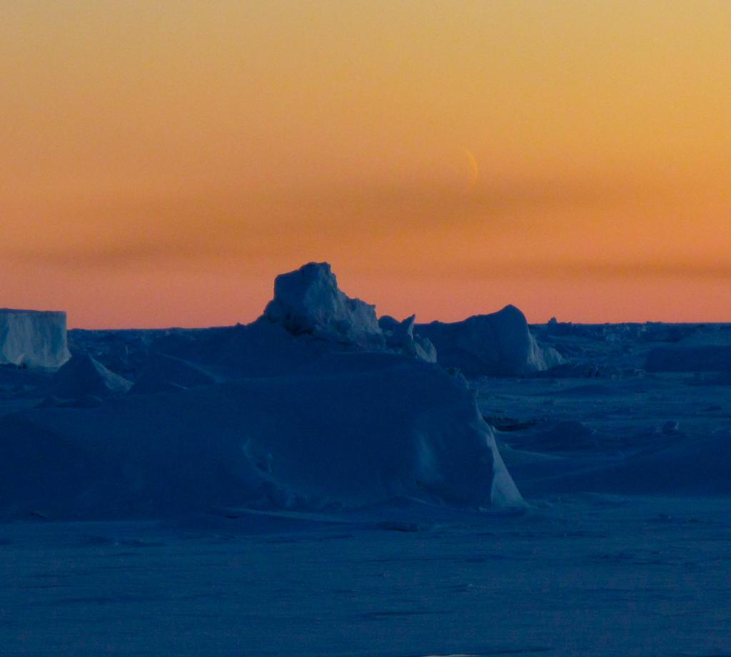"The moon rises over an evening icescape in Antarctica (<a href=""/cryosphere/gallery/photo/33956"">View photo detail.</a>) <br>"