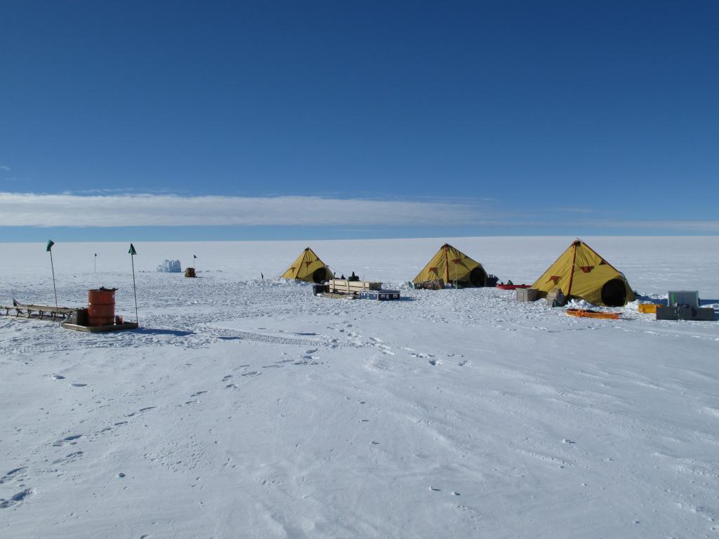 "The team camped in three tents. (<a href=""/cryosphere/gallery/photo/33957"">View photo detail.</a>) <br>"