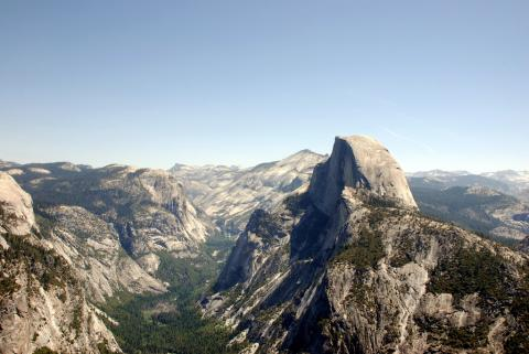 Photograph of a glacial trough in Yosemite National Park