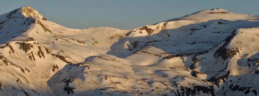 Dust darkens the snowpack and enhances snowmelt in the San Juan Mountains of southwest Colorado. Credit: Jeffrey S. Deems, NSIDC